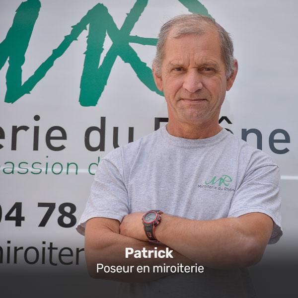 Patrick, poseur en miroiterie à la Miroiterie du Rhône