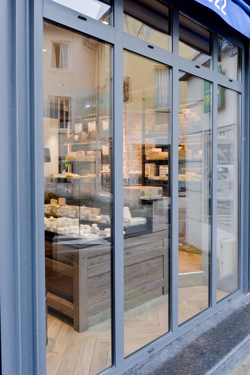 Spécialité menuiserie aluminium, porte, fenêtre, vitrine, verrière