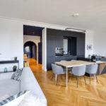 Miroir et pare-douche dans l'agencement intérieur d'un appartement à Lyon 6