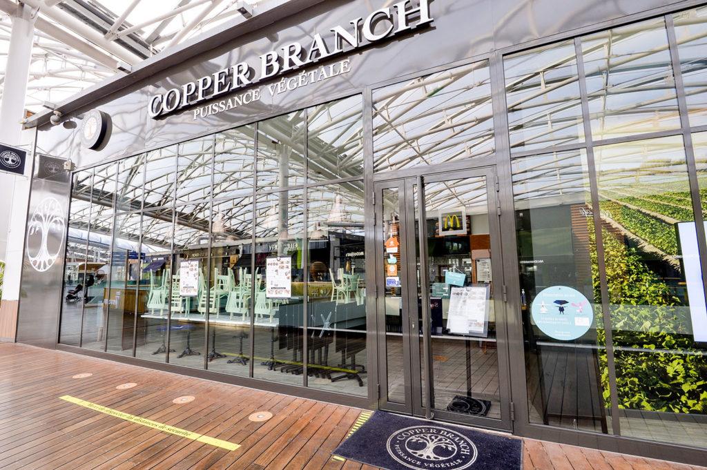 Copper Branch un restaurant à Confluence avec une vitrine en menuiserie aluminium