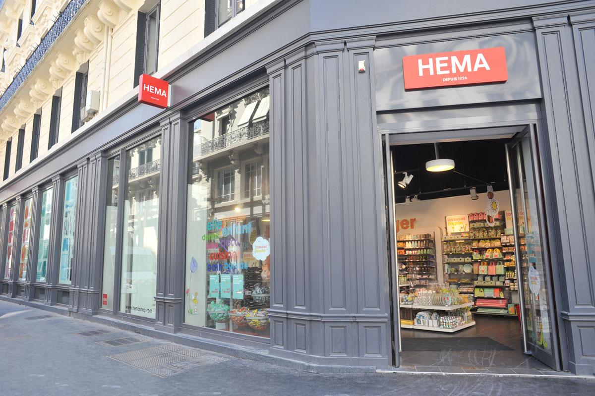 Habillage façade pour le magasin Hema par la Miroiterie du Rhône