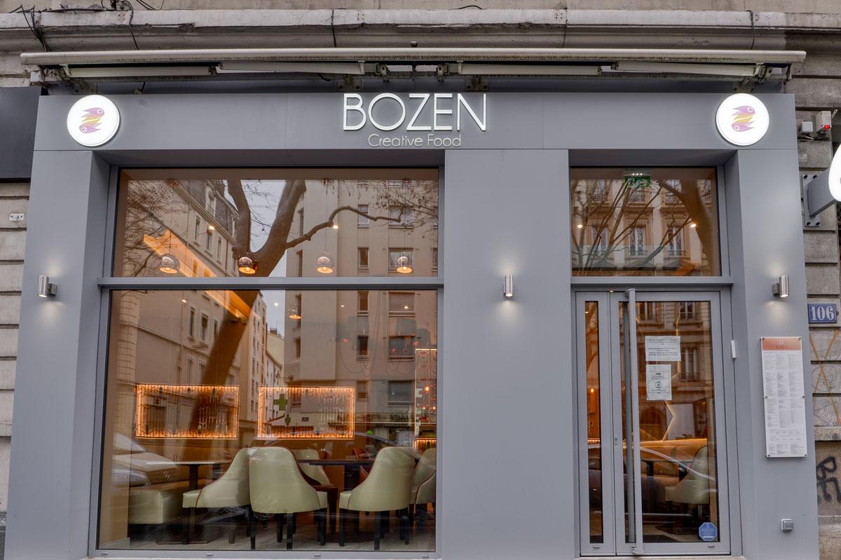 Habillage façade en verre pour le restaurant Bozen par la Miroiterie du Rhône