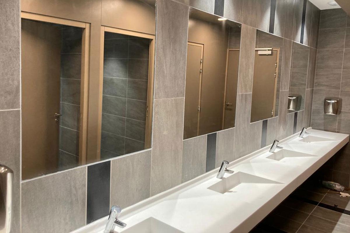 Miroirs sur-mesure pour l'agencement intérieur par la Miroiterie du Rhône