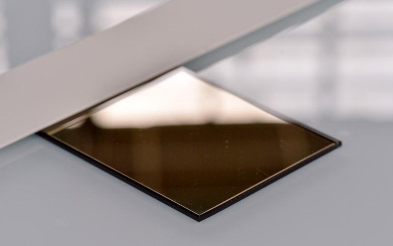 Verre miroir effet bronze par la Miroiterie du Rhône