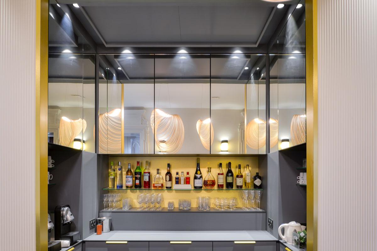 Miroirs sur-mesure pour la décoration du club Le Prisme par la Miroiterie du Rhône