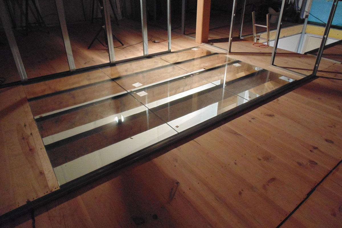 Plancher en verre pour un projet résidentiel par la Miroiterie du Rhône