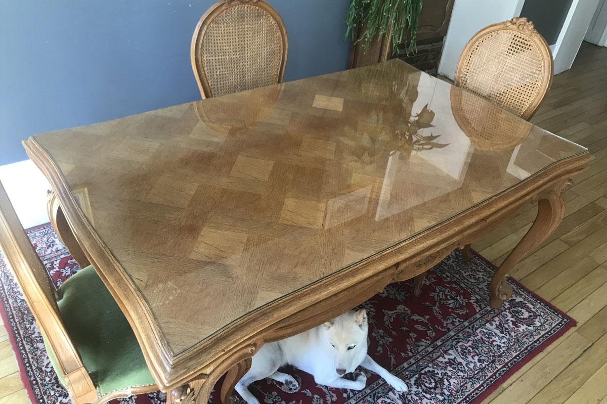 Plateau de table en verre pour protéger le mobilier par la Miroiterie du Rhône