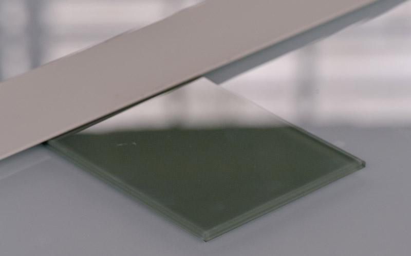 Verre laqué coloré vert, un produit proposé par la Miroiterie du Rhône