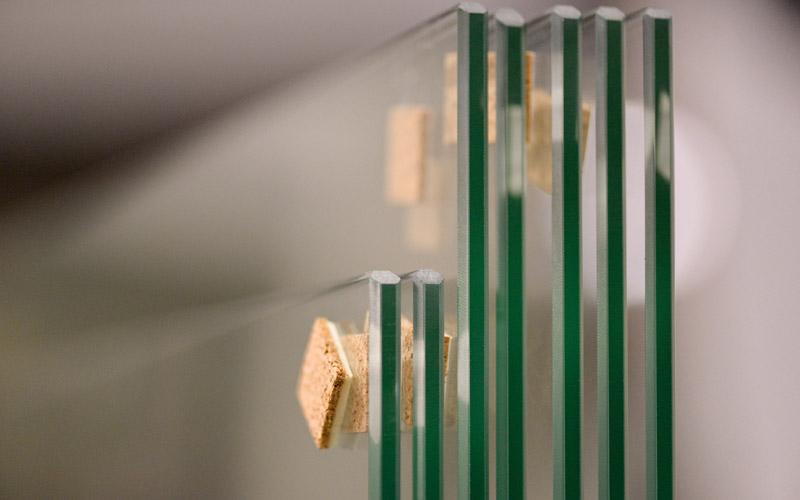 Différentes finitions appliquées sur le verre trempé par la Miroiterie du Rhône
